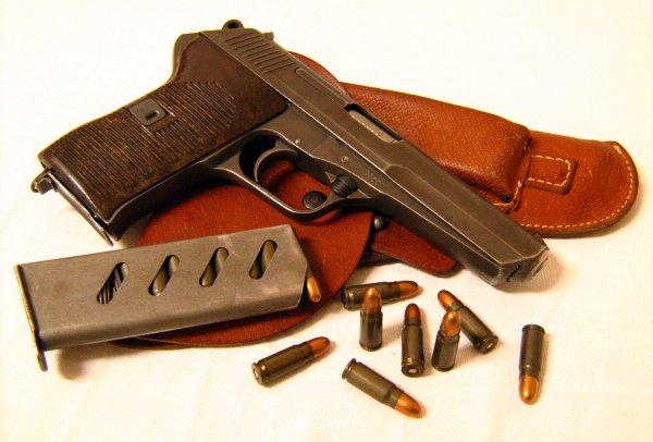 Пистолет CZ 52