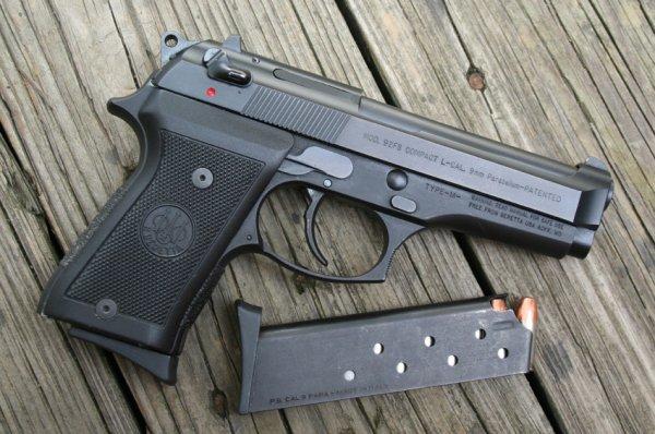 Пистолет Beretta M 92FS Compact