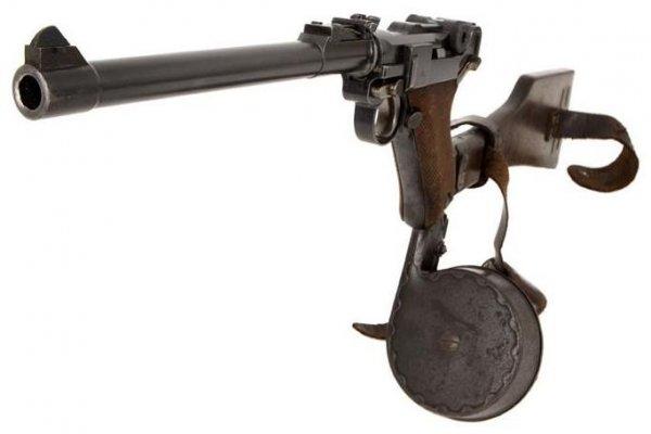 Пистолет P.17 с магазином TM.08 и кобурой-прикладом