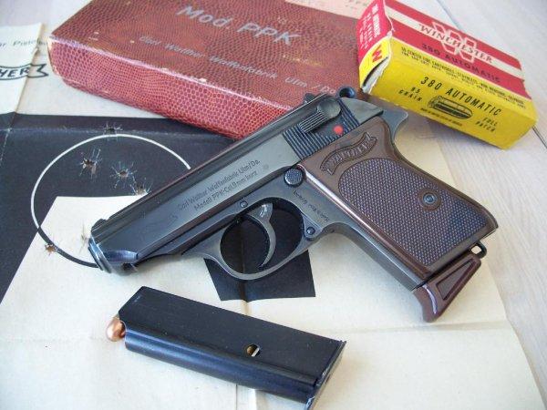 Пистолет Walther PPK под патрон .380 ACP