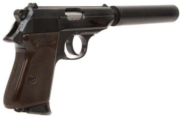 Пистолет Вальтер ППК с присоединенным глушителем