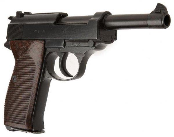 Пистолет Walther P.38 производства Mauser-Werke A.G. имеет код