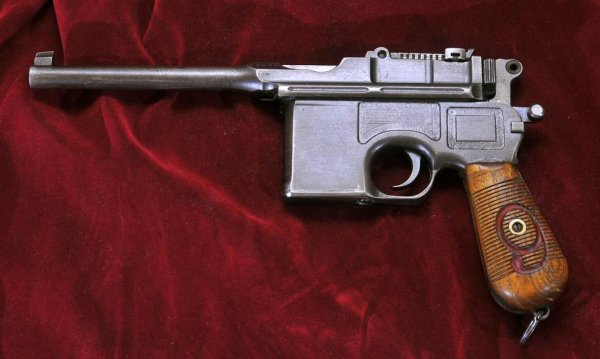 Пистолет Mauser C-96 «Red Nine» под патрон 9mm Parabellum