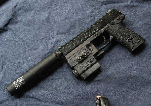 Пистолет Mark 23 Model 0 в варианте Stalker