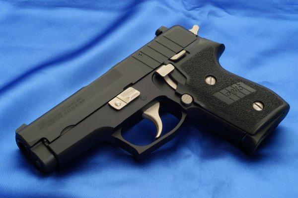 Пистолет Sig Sauer P245