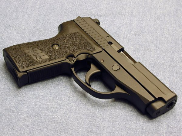 Пистолет Sig Sauer P239