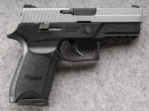 Пистолет Sig Sauer P250 Compact