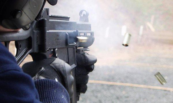 Стрельба из HK UMP под патрон .45 ACP