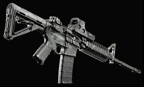 M4 carbine with EOTech