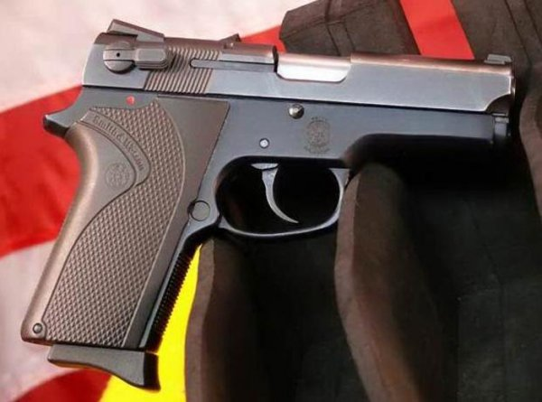 Пистолет Smith & Wesson Model 3913