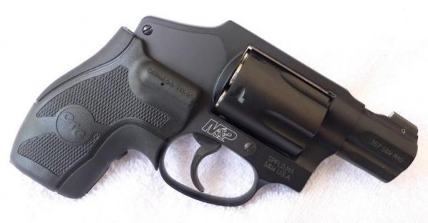 Револьвер Smith & Wesson M&P 340