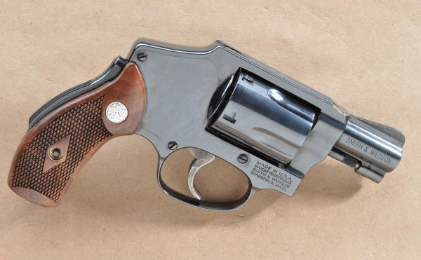 Револьвер Smith & Wesson Model 40