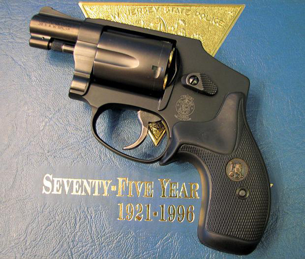 Револьвер Smith & Wesson Model 442