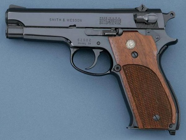 Пистолет Smith & Wesson Model 39