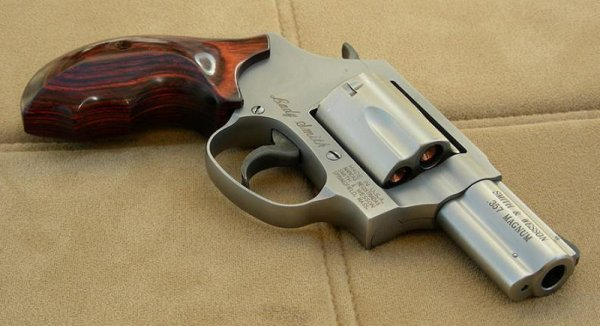 Револьвер Smith & Wesson Model 60 Lady Smith