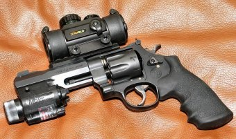 Smith & Wesson Model 327 M&P R8 .357 Magnum revolver