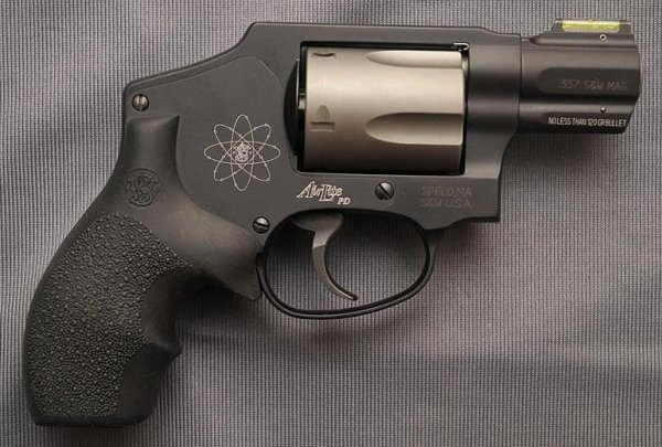 Револьвер Smith & Wesson Model 340PD