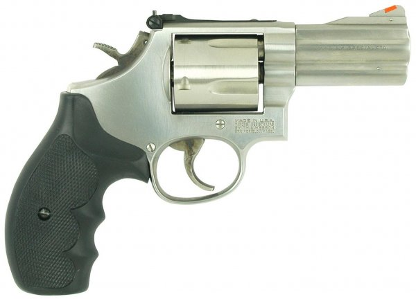 Револьвер Smith & Wesson Model 696