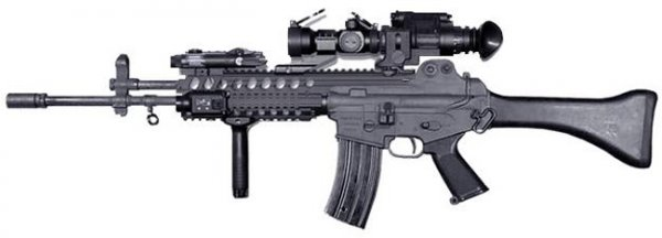 Daewoo K2 tactical assault rifle with Picatinny rail